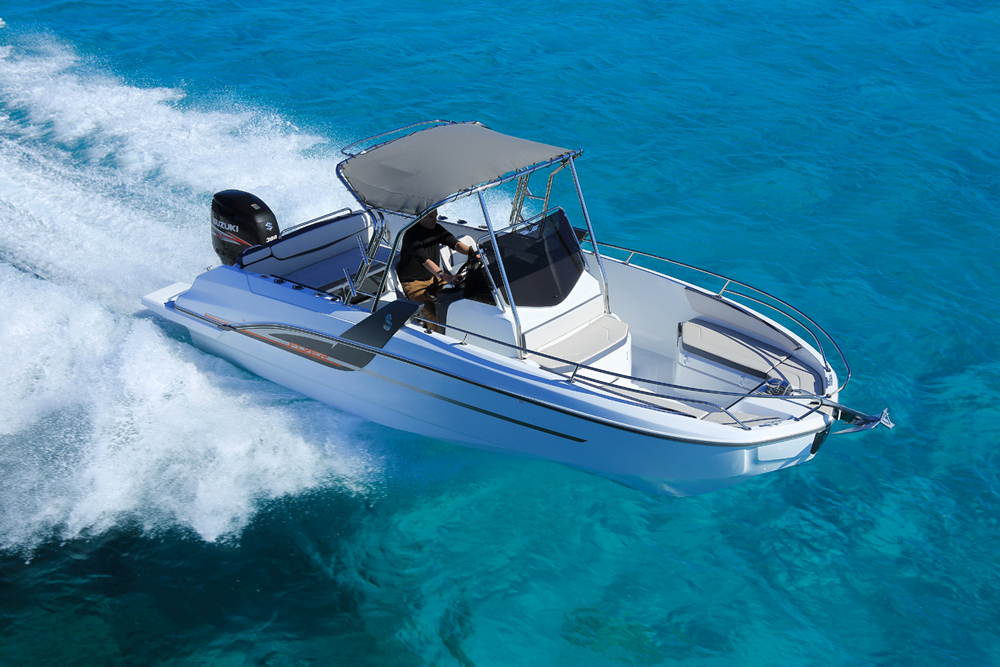 Beneteau Flyer SPACEdeck: Fishing for Fun