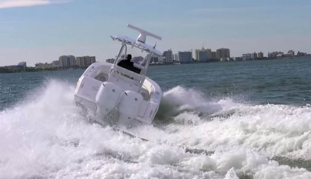 Boating Tips: Making Sharp Turns in a Powerboat