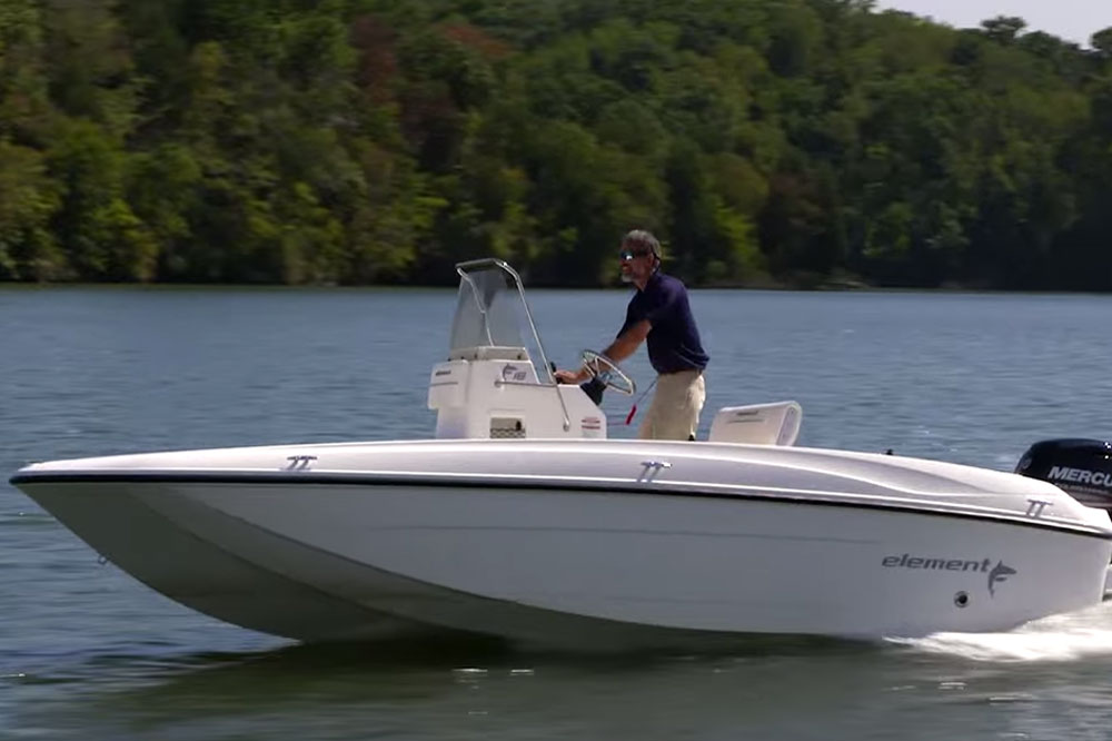 Bayliner Element F18: Video Boat Review