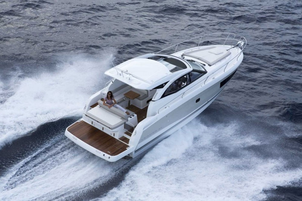 Jeanneau Leader 36: First Look Video