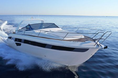 Bavaria Sport 450 Coupe: Flash and Muscle