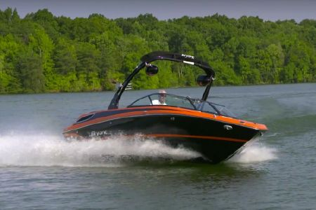Bryant 233X Surf Edition: Video Boat Review