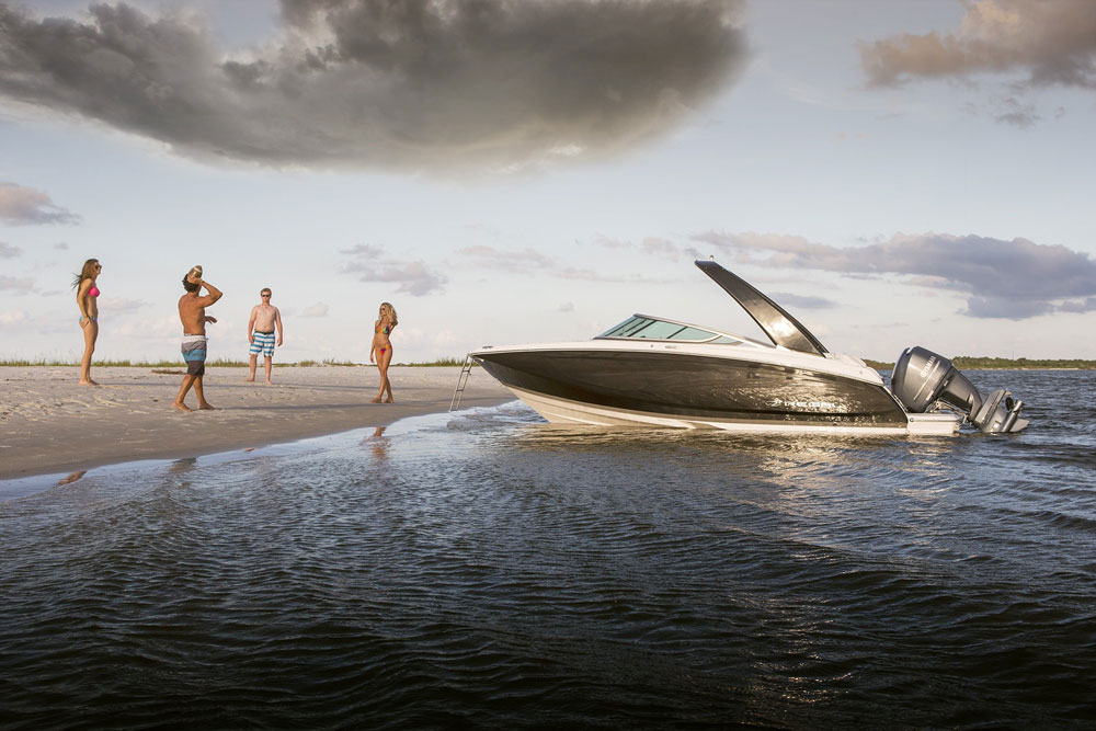 Hot Boats Coming to the Miami International Boat Show