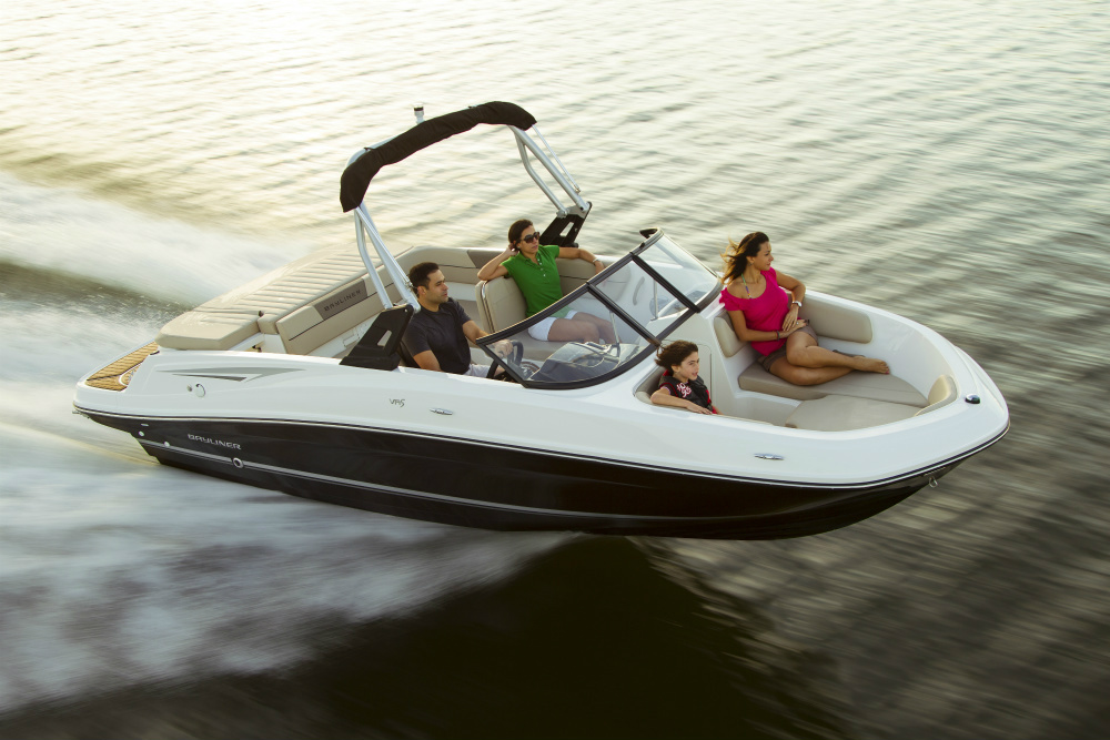 The Bayliner VR5 Bowrider
