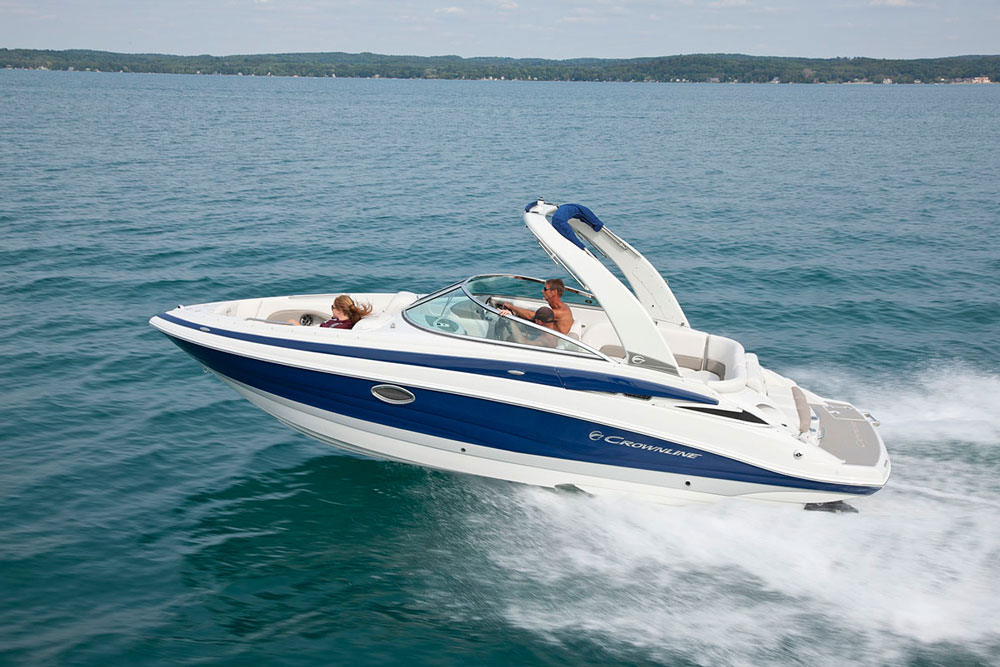 The Crownline 270 SS: like all Crownlines, she's a pretty one.