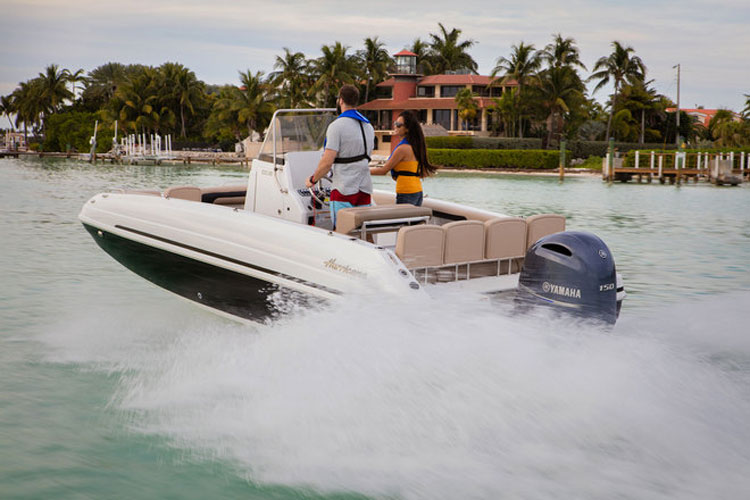 Hurricane CC 21 OB: Center Console Deck Boat Delight