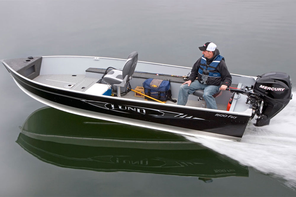 While Shirl's boat may be a bit different than the Lund 1600 Fury we reviewed, the basics will be the same.