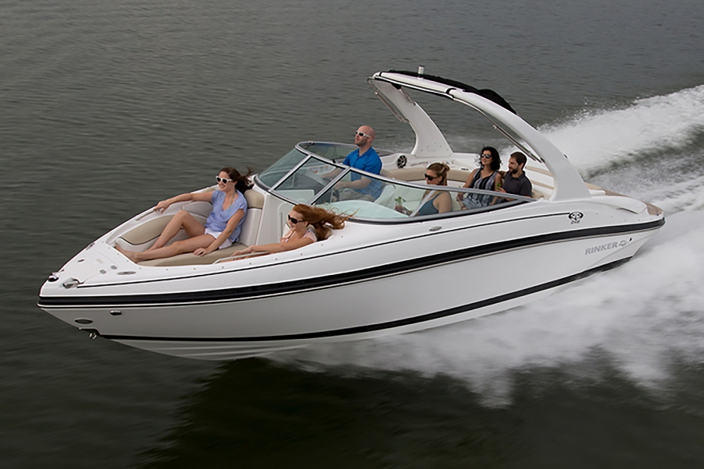 Rinker Captiva 246 BR: A Big and Bold Bowrider