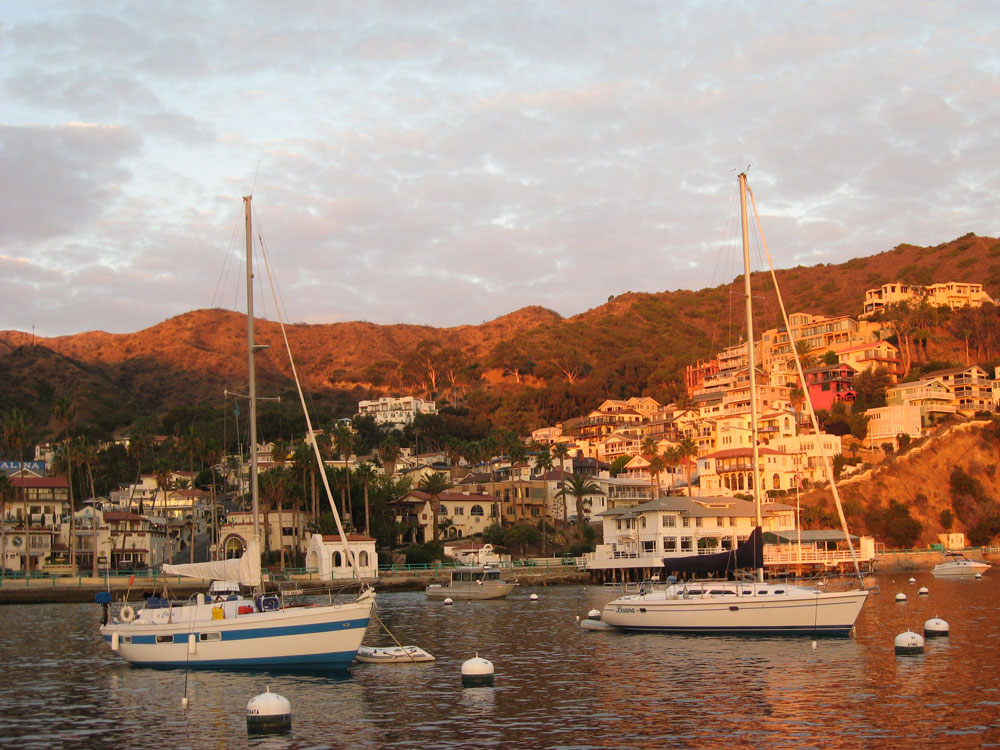 26 miles into the Pacific, Santa Catalina Island and Avalon Beach are Southern California's playground.