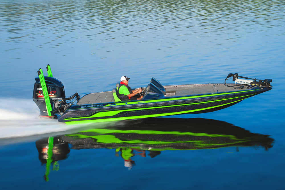 If you like radical looks in a bass boat, the Skeeter FX21 LE should get your blood pumping.