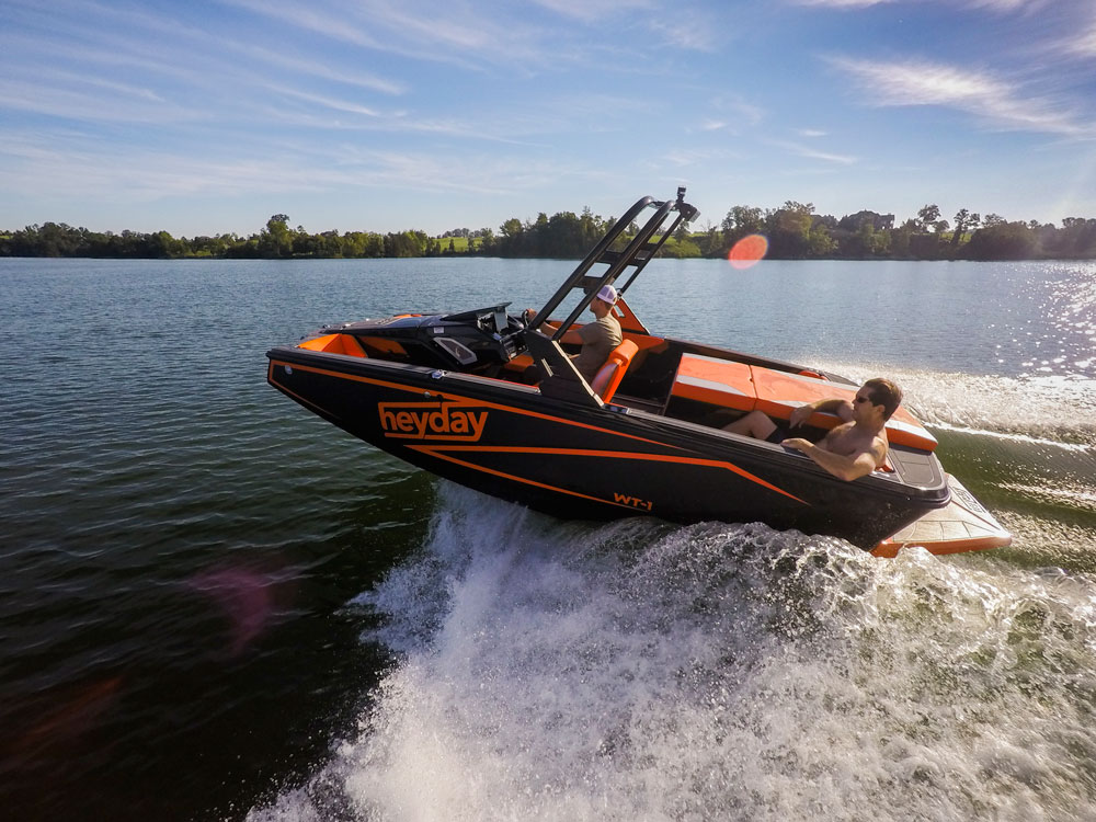 With an unusual center console design and a pickle-fork bow, the WT-1 is ready to make some waves—for Bayliner Boats.
