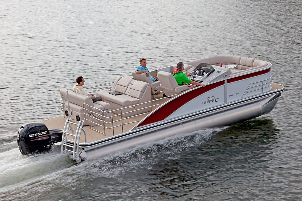 The Infinity 250 CL is built to Lowe standards, which includes a limited lifetime warranty on hull seams, a 10-year limited warranty on the hull overall, and a five year limited warranty on seat backs and bases.
