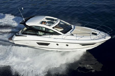 Beneteau Gran Turismo 40: Adding Excitement to an Express Cruiser