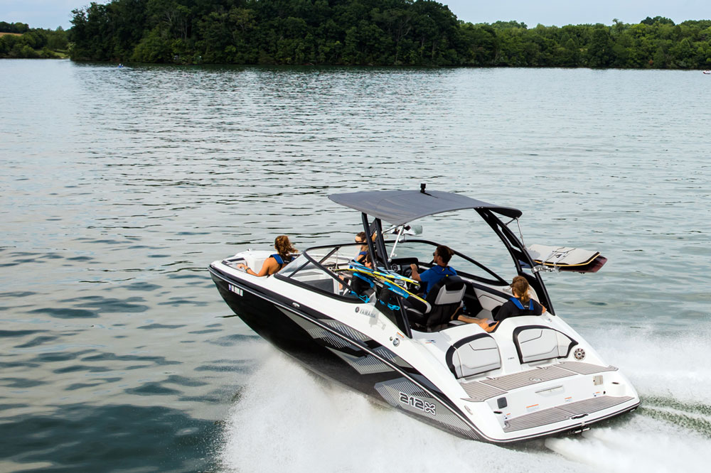 Boating Tips: Should You Choose a Jet Boat?