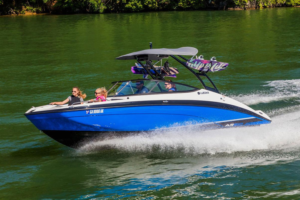 Yamaha 21-Series Sportboat: More Speed, Less Sound