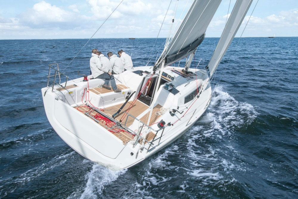 Dehler 34: A Sporty, Well-Mannered Cruiser