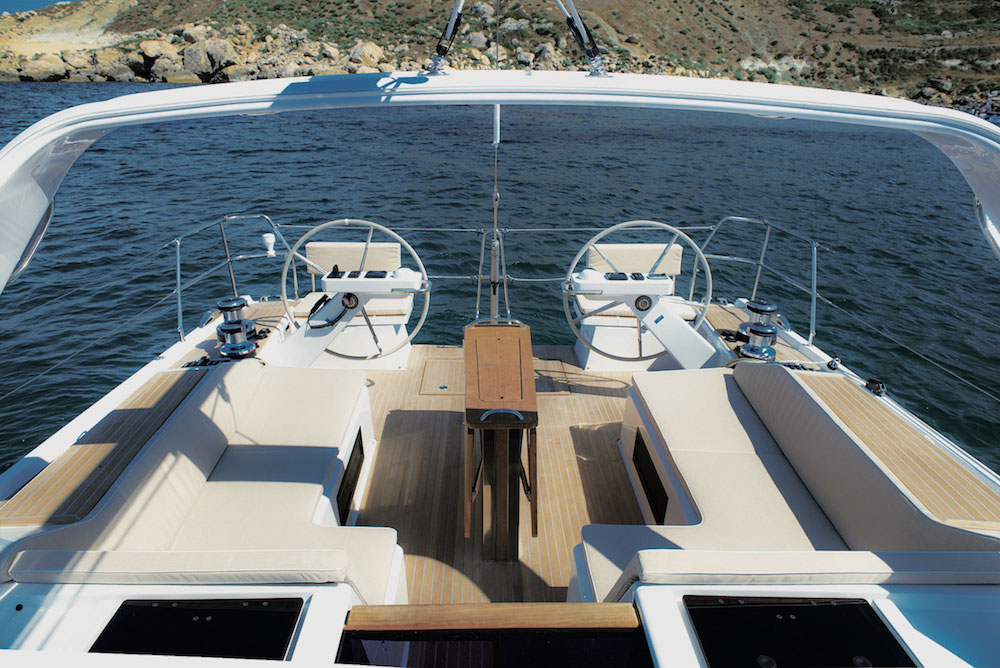 For protection from the elements, whether inclement weather or excess sun, both a Bimini and sprayhood can be mounted on the over-cockpit arch. This also supports the mainsheet, which is completely clear of the cockpit sole.