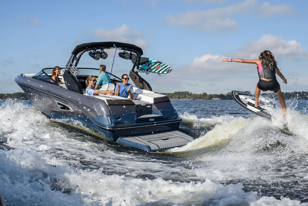 Sea Ray enters the wake surfing market, with its SLX-W 230.