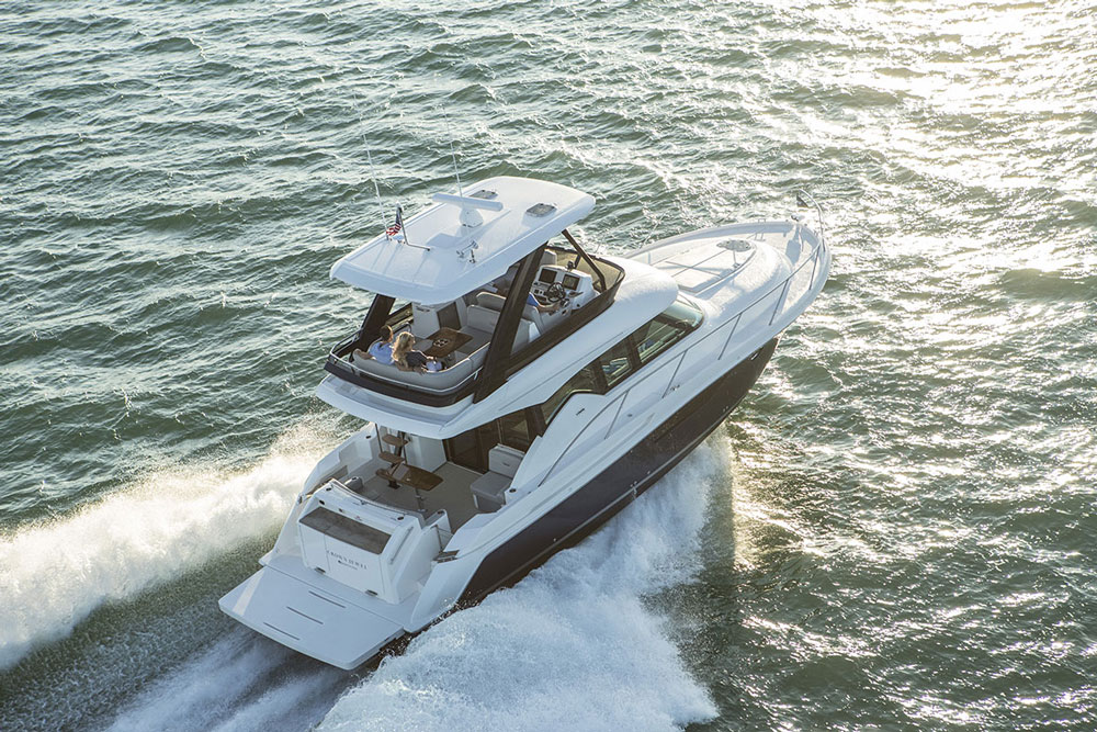 Tiara F44 Flybridge Review