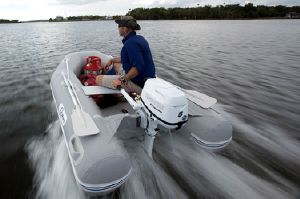 The Outboard Expert: Fuel Economy Secrets - boats com
