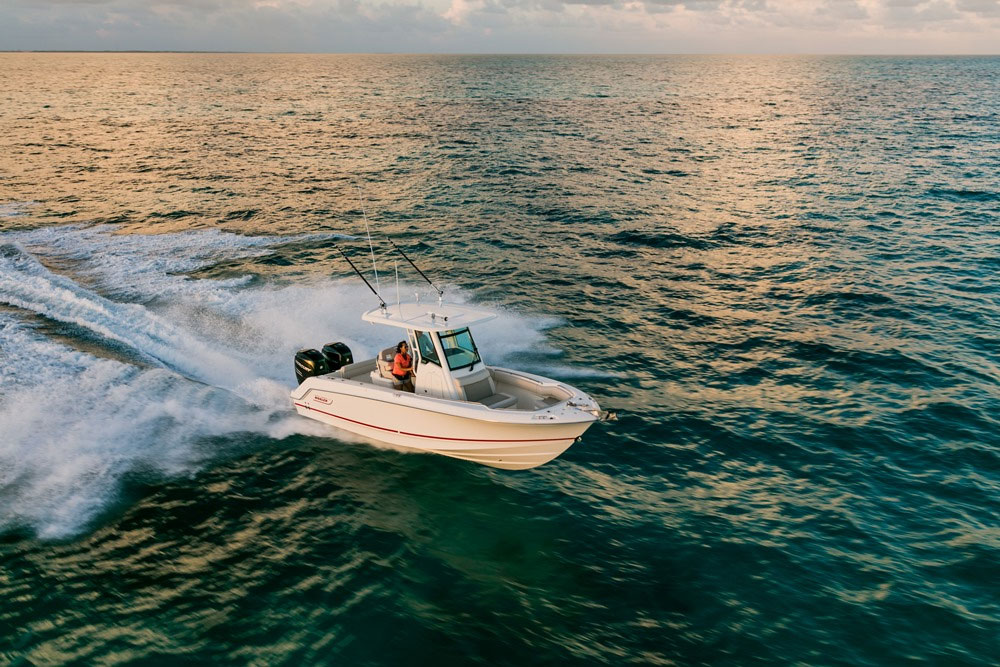 Boston Whaler 250 Outrage: Video Boat Review