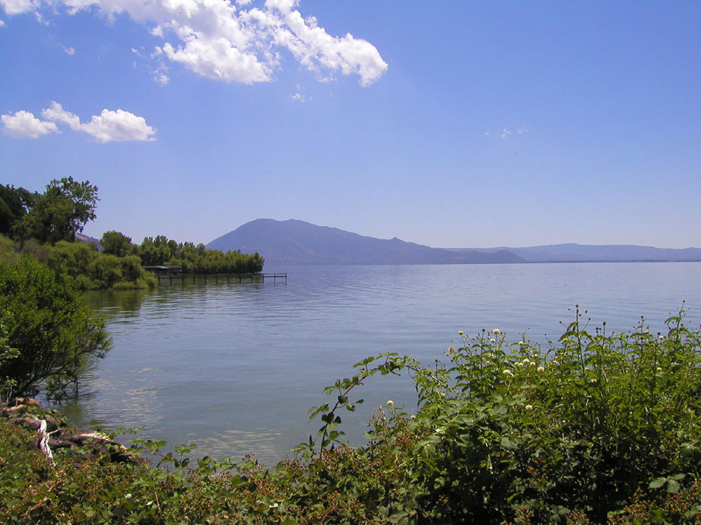 The largest natural freshwater lake in California, Clear Lake covers nearly 70 square miles.