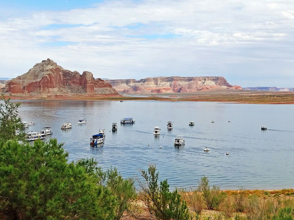 Houseboat rentals are particularly popular for vacationers visiting Lake Powell.