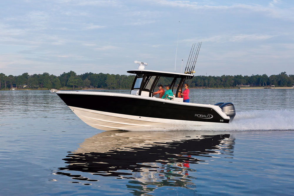 Robalo R302 CC: First Look Video