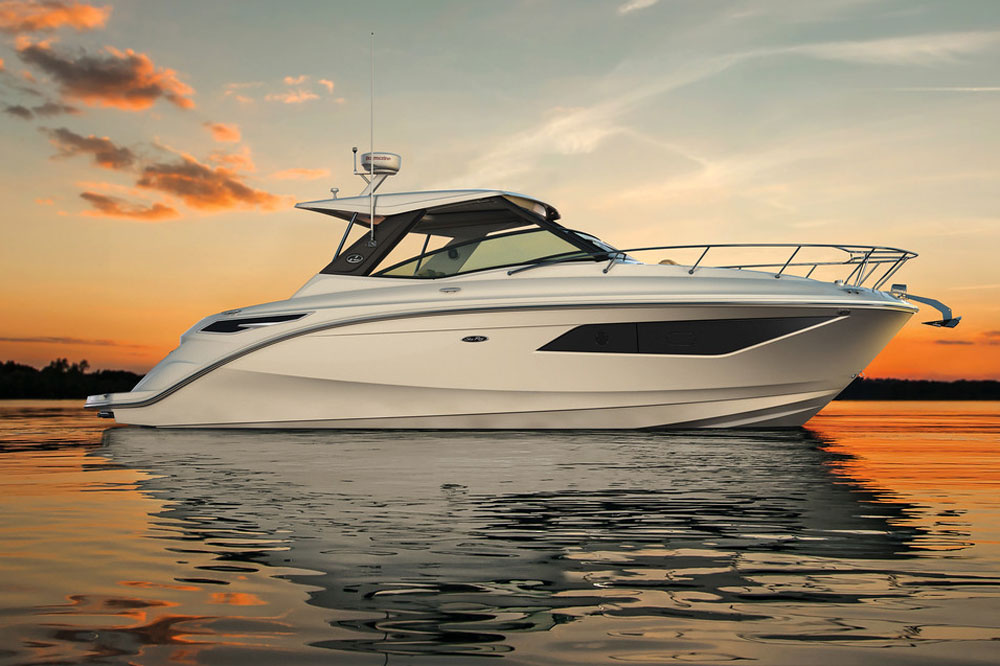 Outside as well as inside, the Sundancer 320 bears little resemblance to its predecessors.