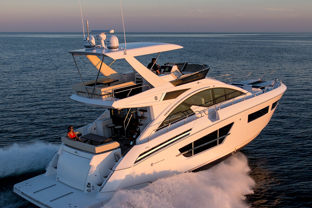 Although it's not retractable like a SunShade, the flybridge overhang enjoys numerous advantages.
