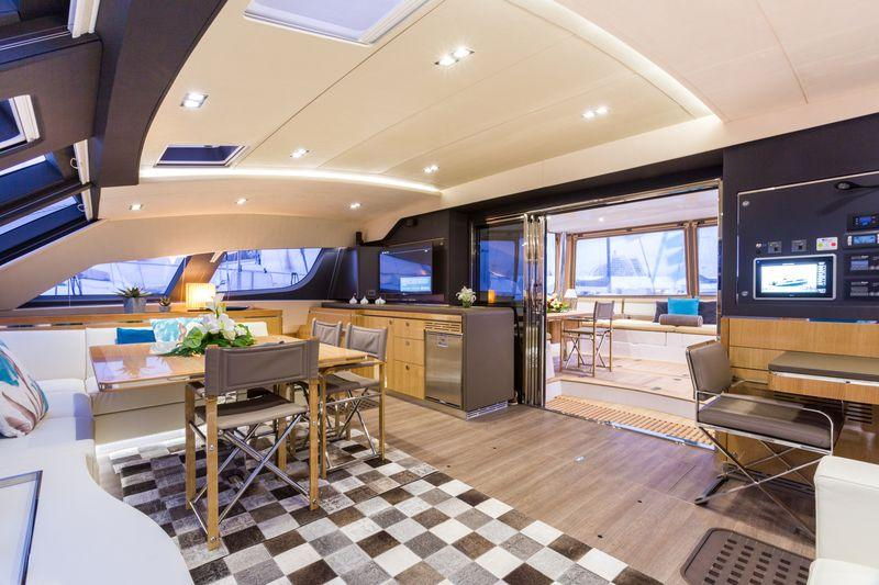 Not surprisingly, a 60-foot cat feels big inside and out and the Series 6 has over 1,600 square feet of living or deck space.