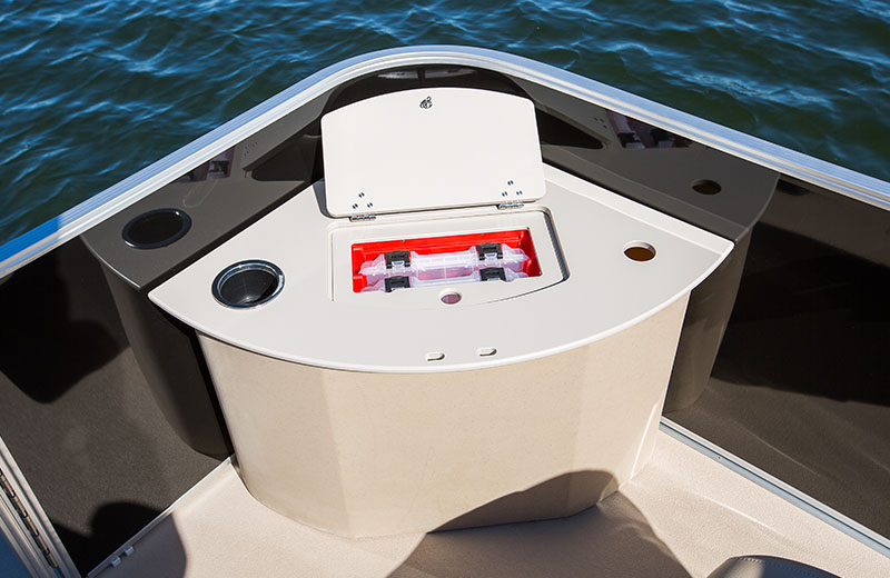 In the FS trim, the bow gets forward fishing stations with a livewell on one side and built-in tackle trays on the other.