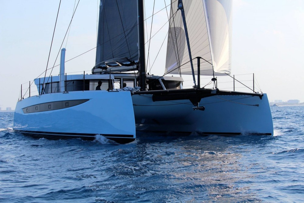 HH55 Catamaran Review
