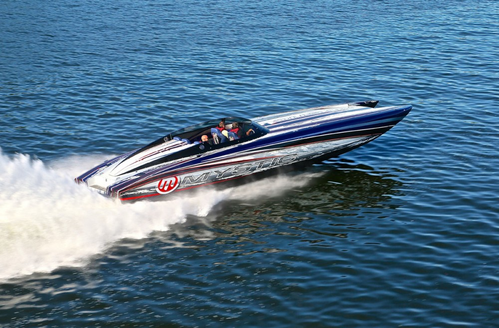 Custom Paint and Design for Boats: Airbrush Wizards