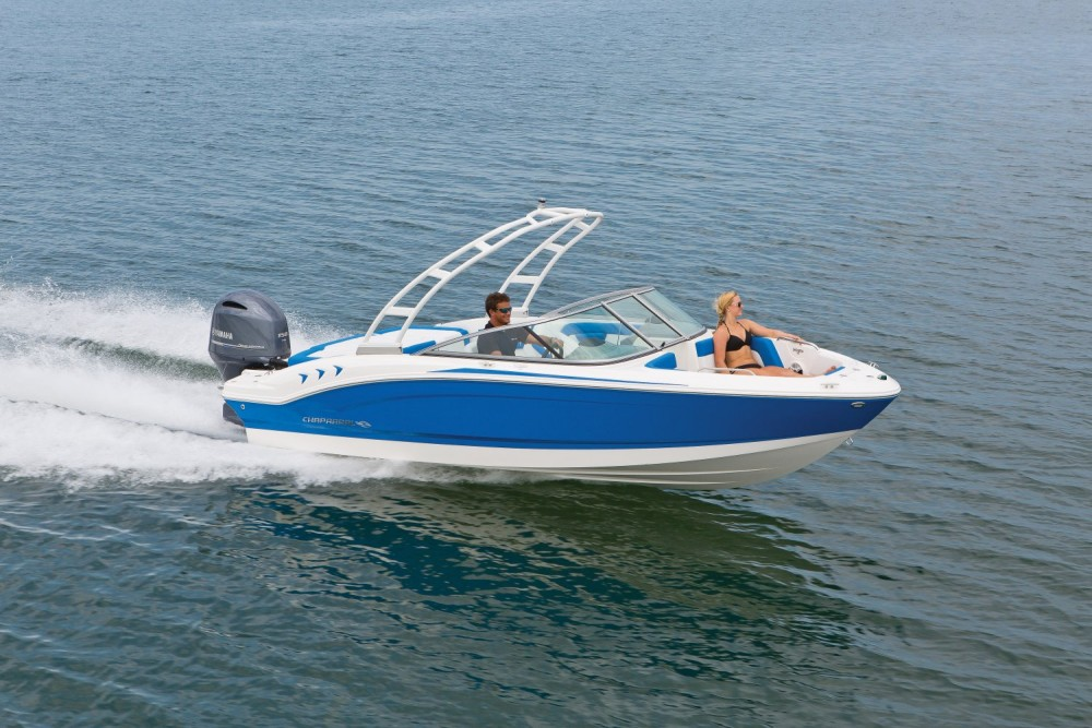 Chaparral 21 H2O Outboard Sport Review