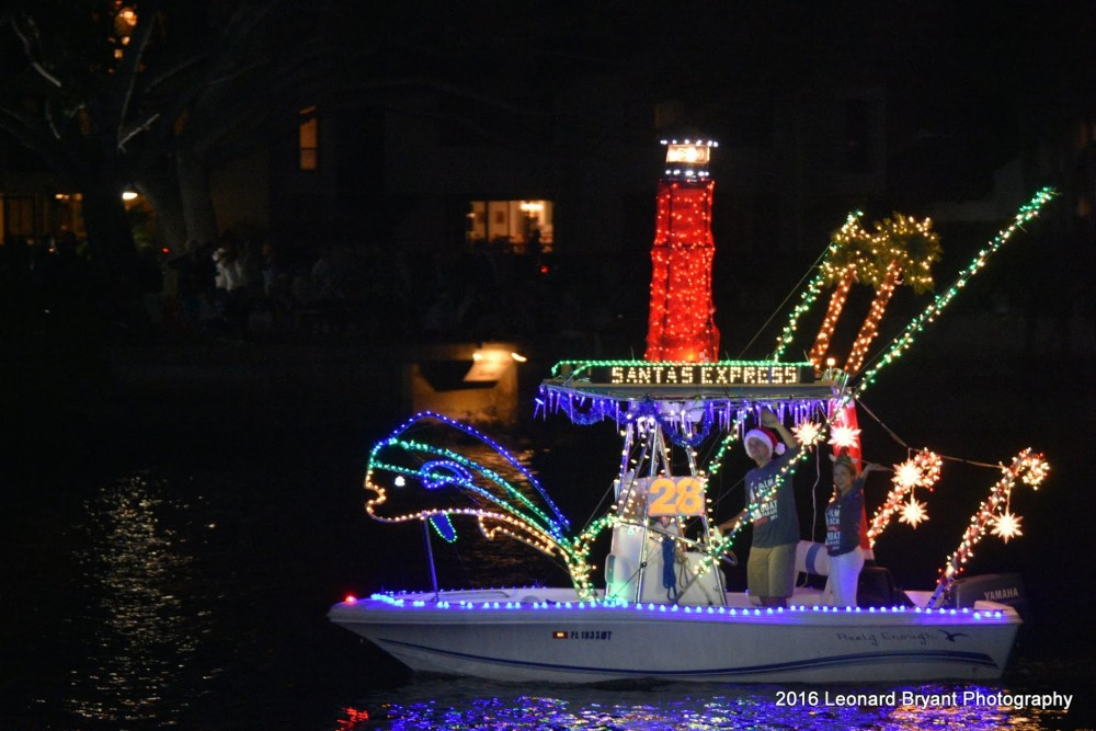 Decorating Your Boat for the Holidays - boats.com