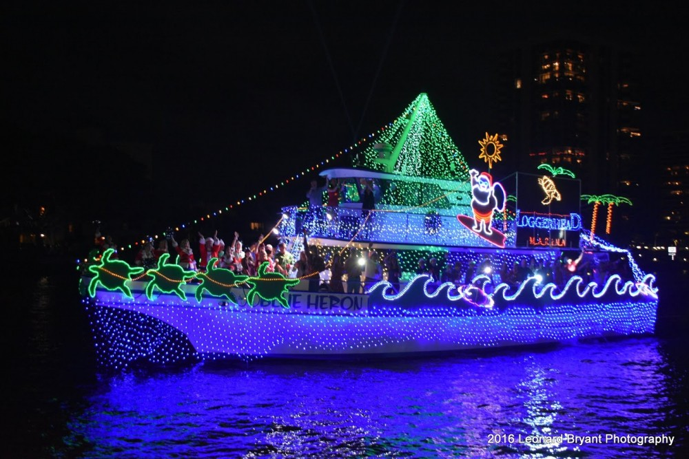 Decorating Your Boat for the Holidays