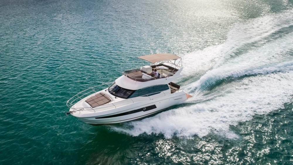 PRESTIGE 460 Flybridge Review