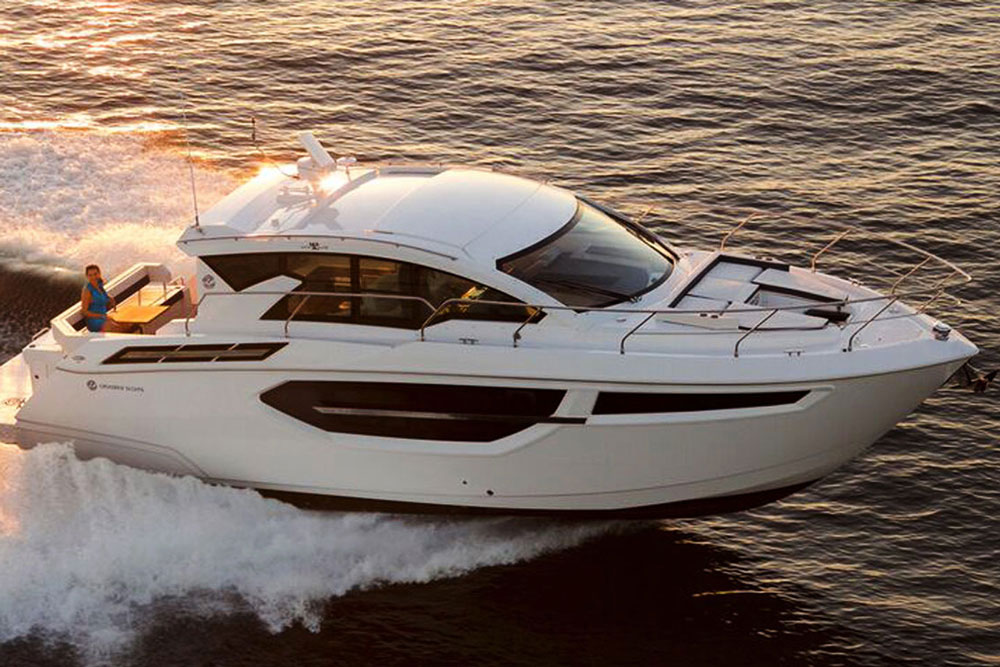 Cruisers Yachts Cantius 42 Review