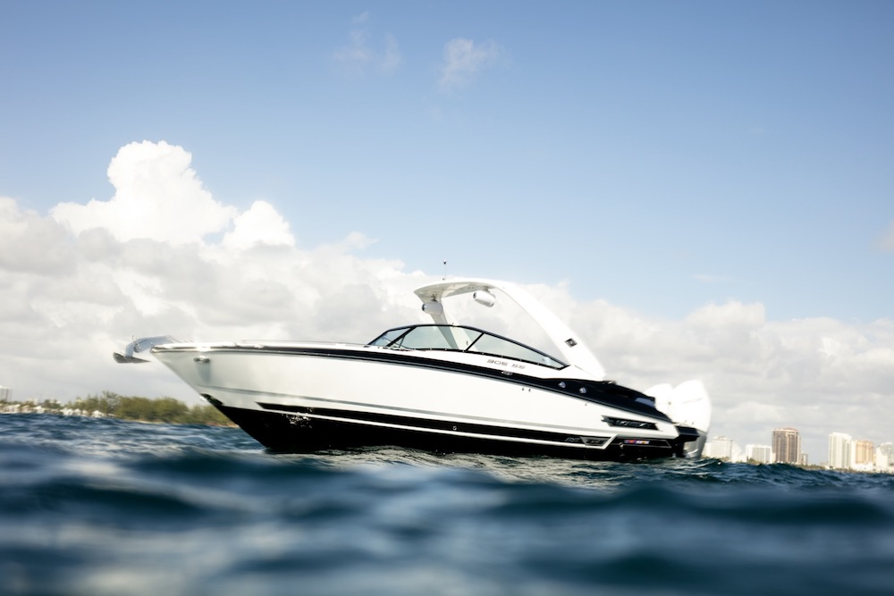 Monterey 305SS Review - boats com