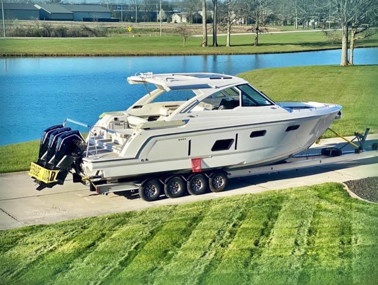 Formula Reveals 380 Ssc Outboard Version Boats Com