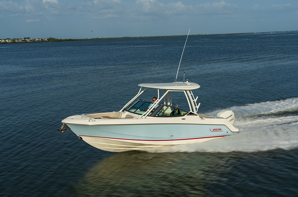 Boston Whaler Introduces New 240 Vantage Model