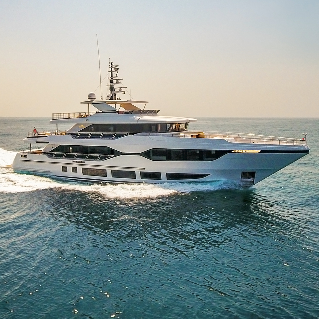 Majesty 120 Superyacht