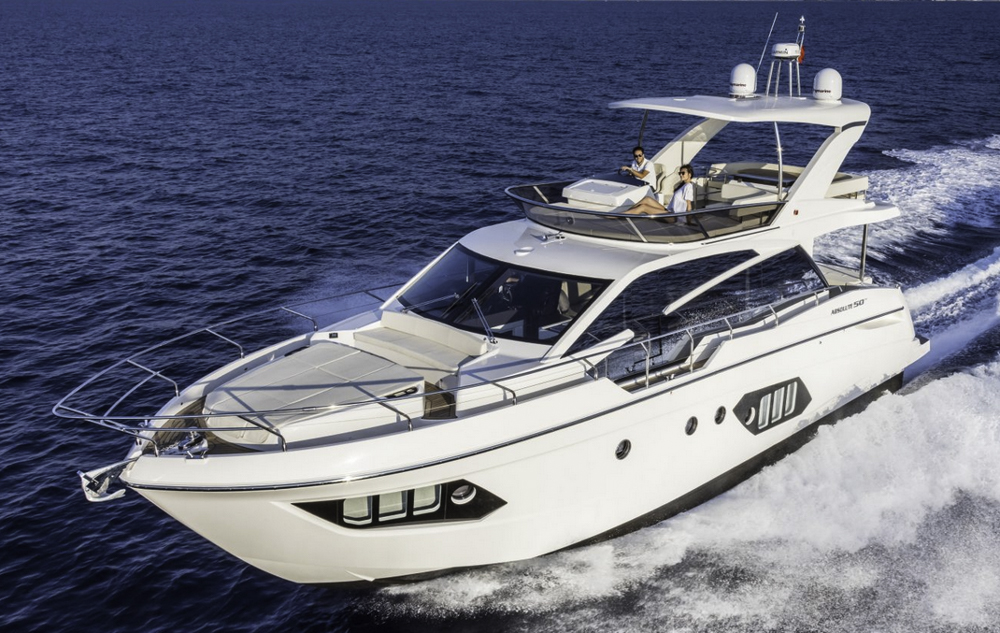 Neu aus Italien: Die Absolute 50 Fly, auch zur Wahl des European Powerboat of the Year nominiert.