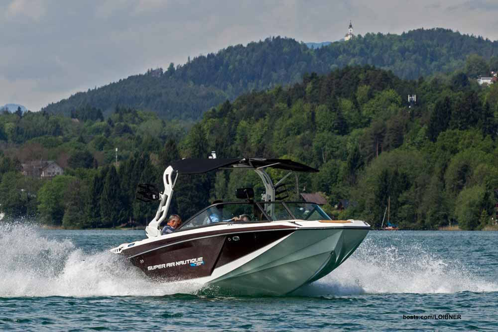 Auch als Stromer flott: Die Super Air Nautique GS20 Electric am Wörthersee. Foto: boats.com/Loibner