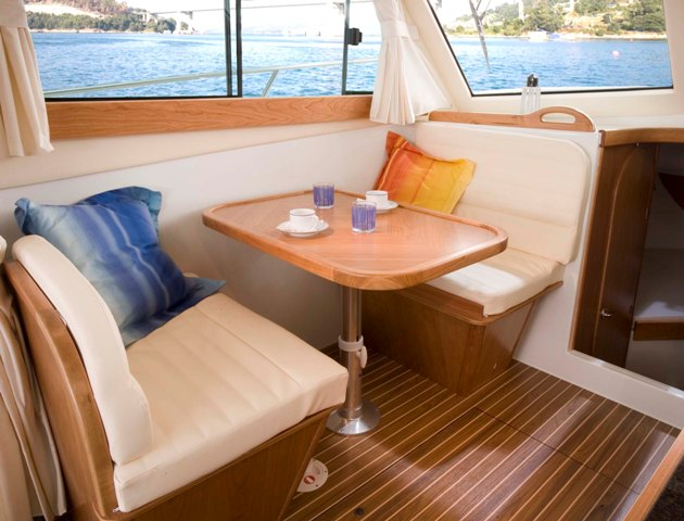 Dinette de barco a motor Starfisher 840