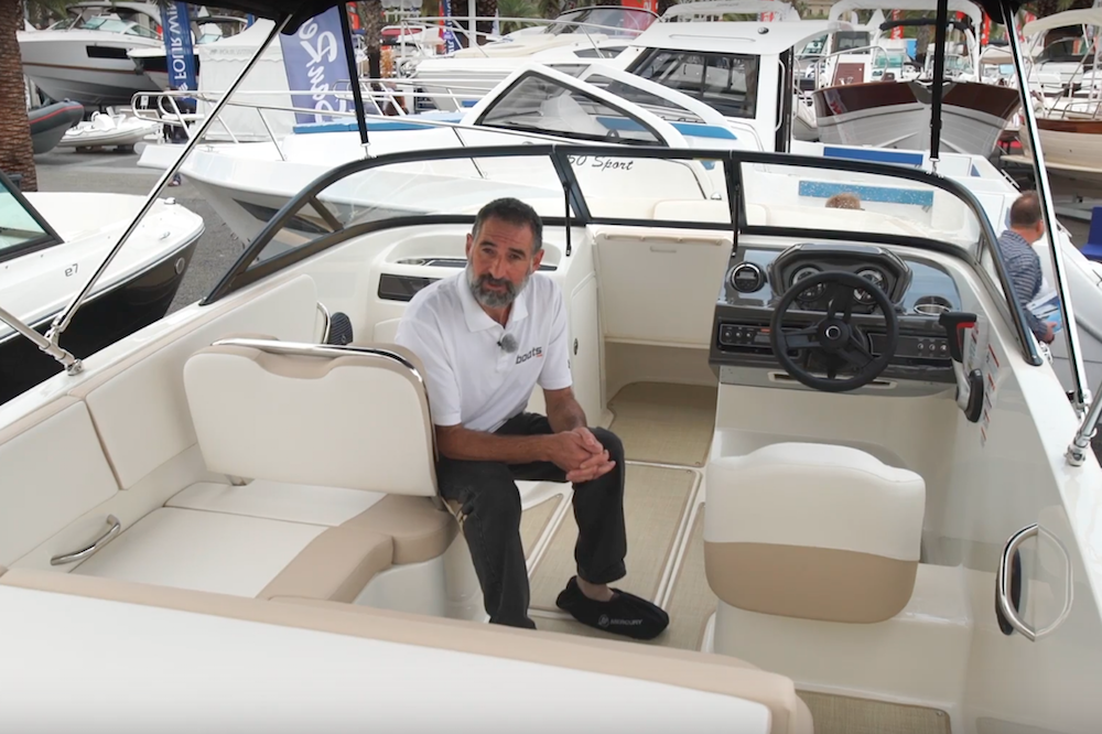 Bayliner VR5 Bowrider video