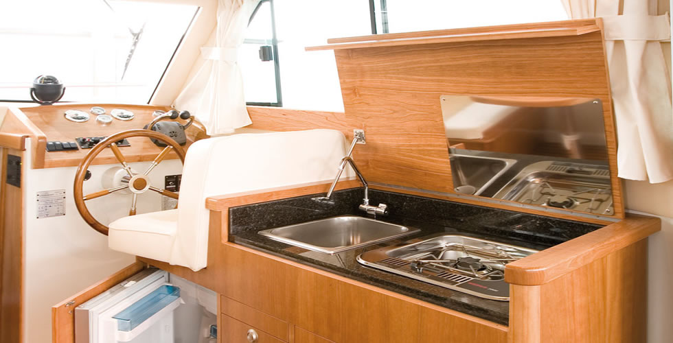 cocina del barco a motor Starfisher 840