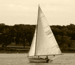 Herreshoff Fish Marlin under sail
