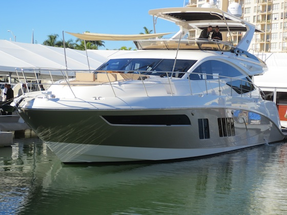 Sea-Ray-L650fly-yacht-debut